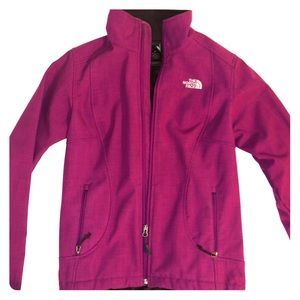 LIGHTLY USED NORTH FACE - SIZE SMALL